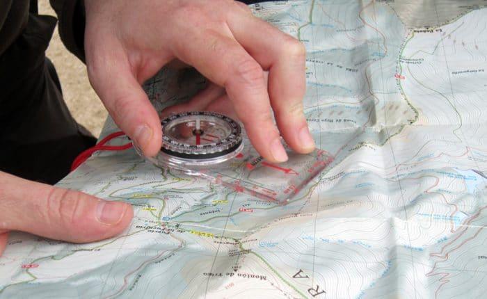 Curso de Orientación en Madrid con Dreampeaks. Curso de orientación en Montaña.