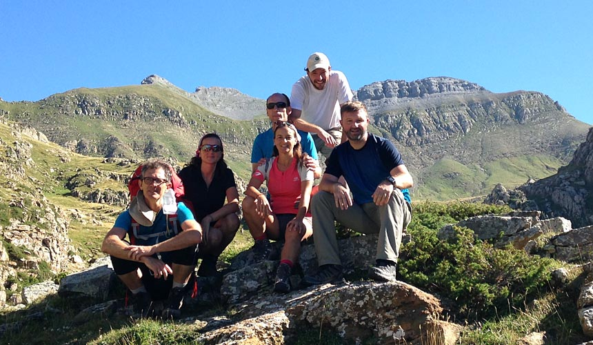 Trekking en Pirineos con Dreampeaks. Senderismo en Pirineos.